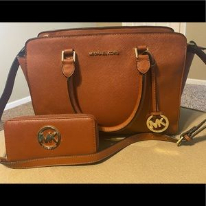 Michael Kors Large Selma Purse and Wallet